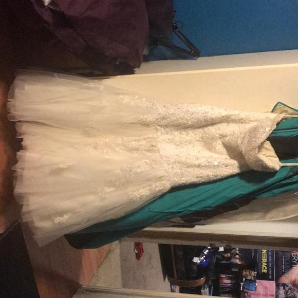 Mary's Bridal Dresses & Skirts - Beautiful wedding dress